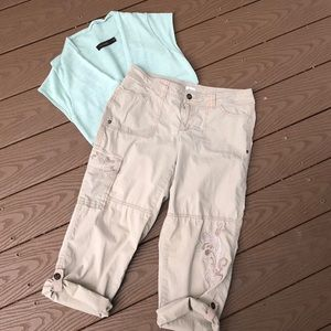 Cache tan cargo capri embroidery embellished
